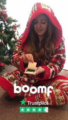 Christmas Tree Napkin Fold, Diy Christmas Presents, Diy Holiday Gifts, Christmas Cookies, Christmas Holidays, Christmas Village Display, Country Christmas Decorations, Flutter Cards, Confetti Cards