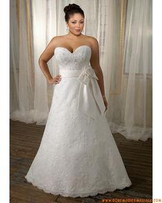 Robe de mariée grande taille en dentelle avec ceinture nœud à boucle