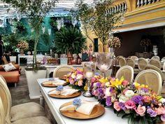 Roxo,rosa,lilás,branco e azul http://www.carolinasouzalima.com/blog/