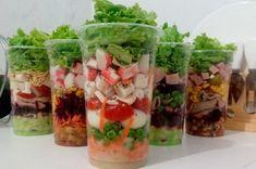 Cozinhe em 2 horas essas receitas, para a semana inteira!!! Sushi Vegan, Pizza Pi, Salad Packaging, Vegetable Packaging, Salads To Go, Vegan Junk Food, Boite A Lunch, Vegan Bodybuilding, Vegan Baby