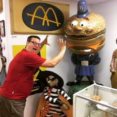 Hey don't tempt me Officer Big Mac - I'm hungry! #florida #hamburgers #museum