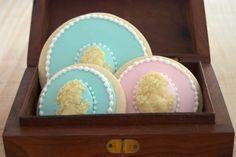 Cameo Cookies  http://www.ifeelcook.es/post/18002525513/cameo-cookies