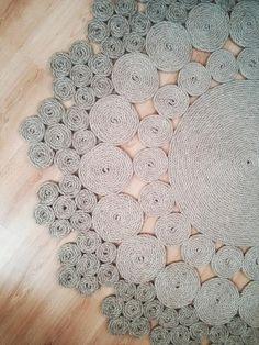Эко ковер ручной работы.     100% натуральный материал - джутовая веревка. Джутовое волокно – это экологически чистый природный материал. Обладает ...