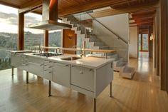 THE HOLLYWOOD HILLS BOX HOUSE  by æ architecture, Inc.