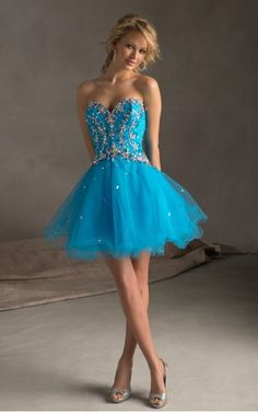 Favodresses.com is a professional women's dresses online shop,where you can find your favourite Color Beading Sweetheart Short Princess Dress.