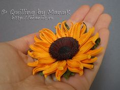 Quilled Sunflowers in a Vase Detail