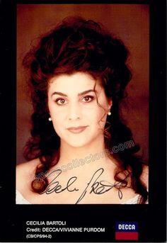Star Italian mezzo-soprano (b.1966), signed promo photo, 4 x 5.75 inches, in excellent condition
