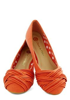 Ok, look: two weeks ago I did green wedding shoes. Last week I did yellow wedding shoes. Shall we just make a series of it and move on to orange wedding shoes? Cute Flats, Cute Shoes, Me Too Shoes, Pretty Shoes, Beautiful Shoes, Orange Flats, Shoe Boots, Ankle Boots, Chic Chic