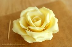 Edible White Chocolate Roses tutorial.  Can also use milk chocolate.