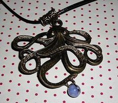 Collier à 10€ Washer Necklace, Creations, Bronze, Jewelry, Steampunk Necklace, Blue Pearl, Octopus, Art Crafts, Pendant Necklace