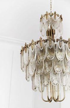 A Modern Cottage Renovation in Sydney - A Japanese Art Deco Chandelier . - A modern cottage renovation in Sydney – A Japanese Art Deco chandelier by (The Bronte Tram) (www. Casa Art Deco, Lampe Art Deco, Art Deco Stil, Art Deco Chandelier, Art Deco Home, Art Deco Lighting, Chandelier Lighting, Art Deco Art, Art Deco Decor