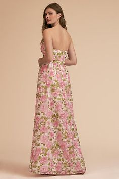 Heading to a formal event or black-tie wedding? Look no further than BHLDN for formal and semi-formal dresses to make a statement. Different Bridesmaid Dresses, Affordable Bridesmaid Dresses, Bridesmaid Dress Colors, Floral Bridesmaids, Bridal Party Dresses, Semi Formal Dresses, Black Tie Wedding, Bhldn, Wedding Looks