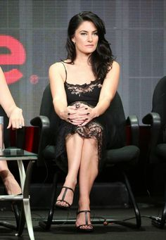"""Mädchen Amick – """"Witches of East End"""" panel at the Beverly Hilton Hotel in California"""