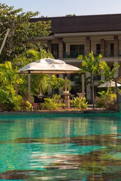 700 square meters of the pure pleasure Seychelles Resorts, Hotel Swimming Pool, 5 Star Resorts, Square Meter, Car Rental, Resort Spa, Island, Mansions, Luxury