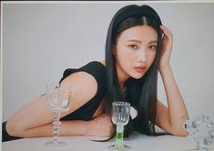 Seulgi, Kpop Girl Groups, Korean Girl Groups, Kpop Girls, Red Velvet Photoshoot, Joy Instagram, Liar And His Lover, Joy Rv, Red Velvet Joy