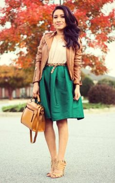 Loving the pop of green and camel bag!