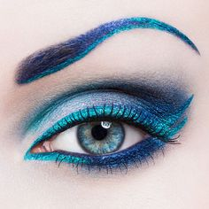 Get the 'blues' with this eye makeup look #crcmakeup