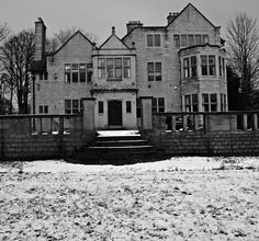 'Briarcourt' in Lindley, designed by Edgar Wood and built 1894-1896 for Herbert Higginson Sykes (Edgar's second cousin) and his new wife Annie. An Arts and Crafts house with Jacobean influences. Photo taken Jan 2015 by Vicky House: www.briarcourtrevisited.com