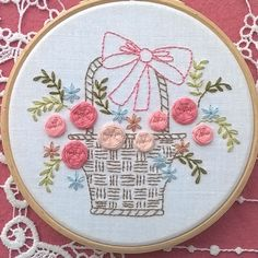 Little basket and roses for this new embroidery kit. Available on my etsystore #basket #roses #embroidery #crafters #floraldesign #embroiderykit #embroiderypattern #modernembroidery #handembroidery #broderiemain #etsyshop #embroideryhoop #stitch #hoopart #fileusedetoiles #flowers #pinkflower #floralwreath