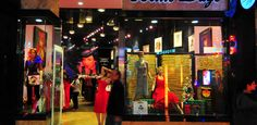 Shops in Las Vegas – Bettie Page. Hg2Lasvegas.com.