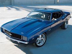 69 Camaro love this.I had a Camaro Chevrolet Camaro, Corvette, Chevelle Ss, Pontiac Gto, Camaro 1969, Blue Camaro, Bmw M Power, Old School Cars, Sweet Cars