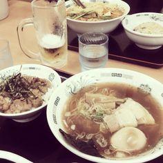 [2013/11/25]    夜ごはんは日高屋っすぅ~▽ヽ(*´ω`)人(´ω`*)ノ▽~    欲張ったらやはり食べきれず...