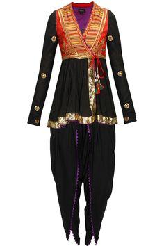 Traditional Outfits for your Navratri Festival Style   Dandiya, Garba Wear…