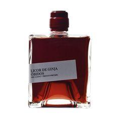 Licor Ginja de Óbidos (Cherry Liquor of Óbidos) Licor de Ginja da zona demarcada de Óbidos.  Garrafa de 500 ml