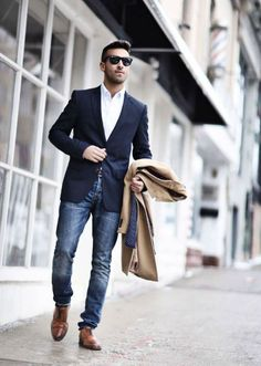 The navy blazer - men's wardrobe essentials navy blazer men, blazer azul, navy blazer Blazer Jeans, Navy Blazer Outfits, Navy Blazer Men, Mens Fashion Blazer, Outfit Jeans, Brown Shoes Outfit, Grey Chinos, Guy Outfits, Jeans Shoes