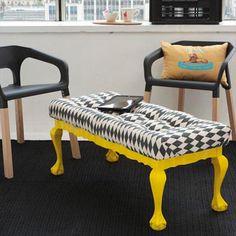 Tenés una mesa de café y no sabes que hacer con ella , encuentra aquí el paso a paso para crear una otomana con tu mesa.