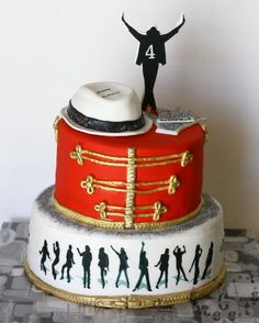 Michael Jackson cake    Not a fan of MJ; could easily be adapted for marching band.