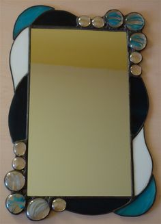 I've been trying to design a mirror for my grandma for weeks now...Finally, inspiration arrived yesterday... I knew the color scheme had to ...