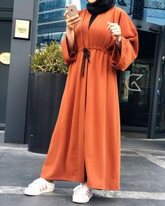 A B A Y A..🧡 ✔️Krep abaya renkler Islamic Fashion, Muslim Fashion, Modest Fashion, Girl Fashion, Fashion Design, Modest Dresses, Casual Dresses, Abaya Mode, Chic Outfits