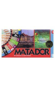 Køb 'Spil - Matador' bog nu. Matador er vel nok et af de mest ikoniske brætspil, som hører hjemme på spilhylden i ethvert hjem. Hvem har ikke passeret