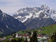 Mittelberg-Hirschegg, Kirche Hl. Anna, Kleinwalsertal Vorarlberg