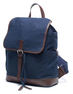 Buy our Men's Kerridge Backpack for £65 available in Navy/Chocolate at Crew Clothing. For more bags & wallets, visit Crew Clothing.