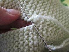 A mattress stitch tutorial - Her Crochet Knitting Help, Knitting Stiches, Baby Knitting Patterns, Hand Knitting, Crochet Patterns, Point Mousse, Knitted Headband, Garter Stitch, Knitted Blankets