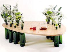 Mesitas con botellas recicladas