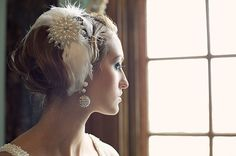 Vintage style bridal headpiece (c/o http://www.lovemydress.net/blog/2011/01/great-gatsby-inspired-weding""