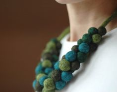 chunky felt bead necklace