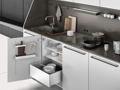SieMatic 29 freestanding kitchen furniture in lotus white with sink, stovetop, outlets and SieMatic MultiMatic interior organization Smart Kitchen, Compact Kitchen, Kitchen Storage, Mini Kitchen, Kitchen Organization, Kitchen Sideboard, Kitchen Buffet, Kitchen Furniture, Kitchen Cabinets
