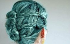 blue green >> I would feel like a mermaid! It is such a pretty color, to bad it would look awful on me! Love the braids too!