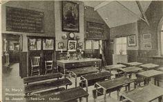 Google 画像検索結果: http://www.mrbigben.com/hong_kong_website/History/school/old_classroom720.jpg