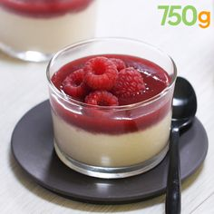Panna cotta à la noix de coco sans gélatine Chewy Chocolate Chip Cookies, Chocolate Desserts, Köstliche Desserts, Delicious Desserts, Panna Cotta Coco, Dairy Free Treats, Easy Summer Desserts, Cookie Recipes, Food And Drink
