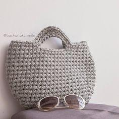 516 отметок «Нравится», 45 комментариев — Творю из трикотажной пряжи💕 (@bochonok_meda) в Instagram: «Милые -милые рукодельницы! Моя это сумочка, сама виновата, что не подписала год назад, но все- таки…»