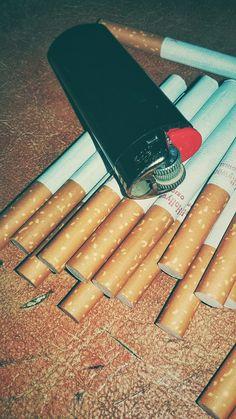 Tumblr Wallpaper, Screen Wallpaper, Mobile Wallpaper, Smoking Kills, Girl Smoking, Cigarette Aesthetic, Smoke Pictures, Smoke Photography, Photo D Art