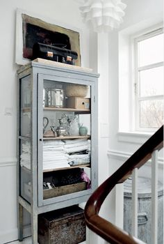 love this blog and love this cabinet