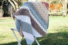Crochet Shrug - Wrap me Tender — free crochet pattern by Yarnhild C2c Crochet Blanket, Crochet Pillow Cases, Crochet Shrug Pattern, Blanket Stitch, Crochet Blankets, Crochet Shawl, Crochet Flower Hat, Cute Blankets, Afghan Crochet Patterns