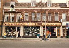 Gezicht op de voorgevels van de panden Amsterdamsestraatweg 235-237 te Utrecht.ca 1983 High Middle Ages, Dutch Golden Age, Was, Utrecht, Netherlands, Holland, Amsterdam, City, Historia