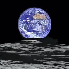 La Terre vue de la sonde LRO en orbite autour de la Lune, à 134km d'altitude (12 octobre 2015)